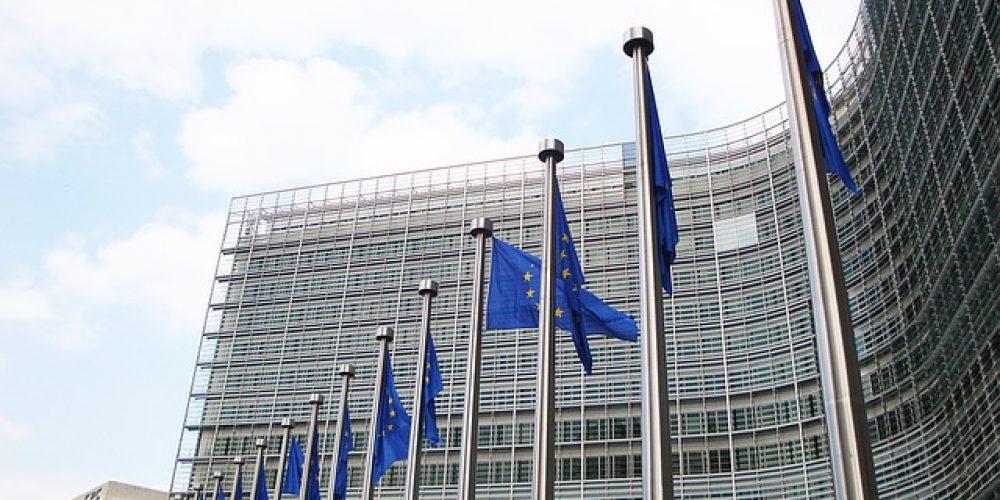 Producenci zadowoleni z kompromisu w sprawie regulacji dotyczących emisji spalin dźwigów