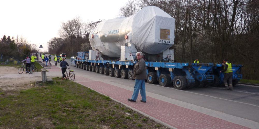 Transport 637 ton przez Polskę – nadzorowany i konsultowany przez PWr wraz z OSPTN